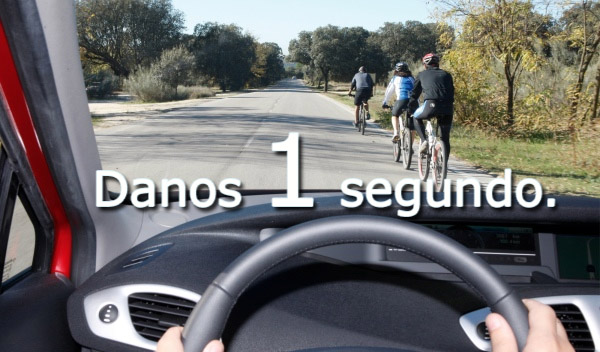 Danos 1 Segundo . Concienciacion Vial – Piensa 1 segundo antes de adelantar un ciclista.